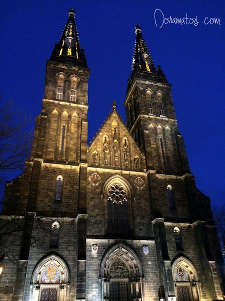 Igreja negra de São Pedro e São Paulo - Praga | Doramatos.com