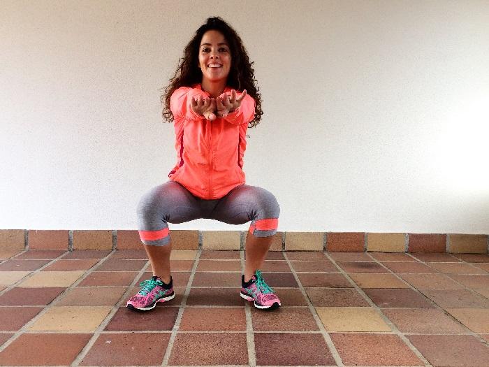 Agachamento sumo pernas afastadas | Doramatos.com